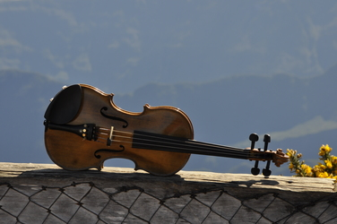Violin over Mafate