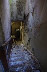 An abandoned farmhouse 9