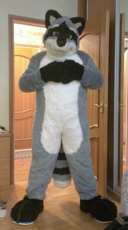 Nikwald raccoon fursuit commission