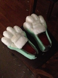 Wolfaccino WIP footpaws