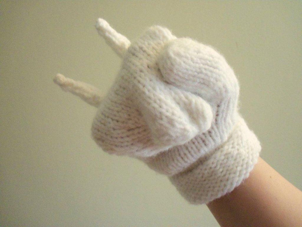 Knuckles' Glove