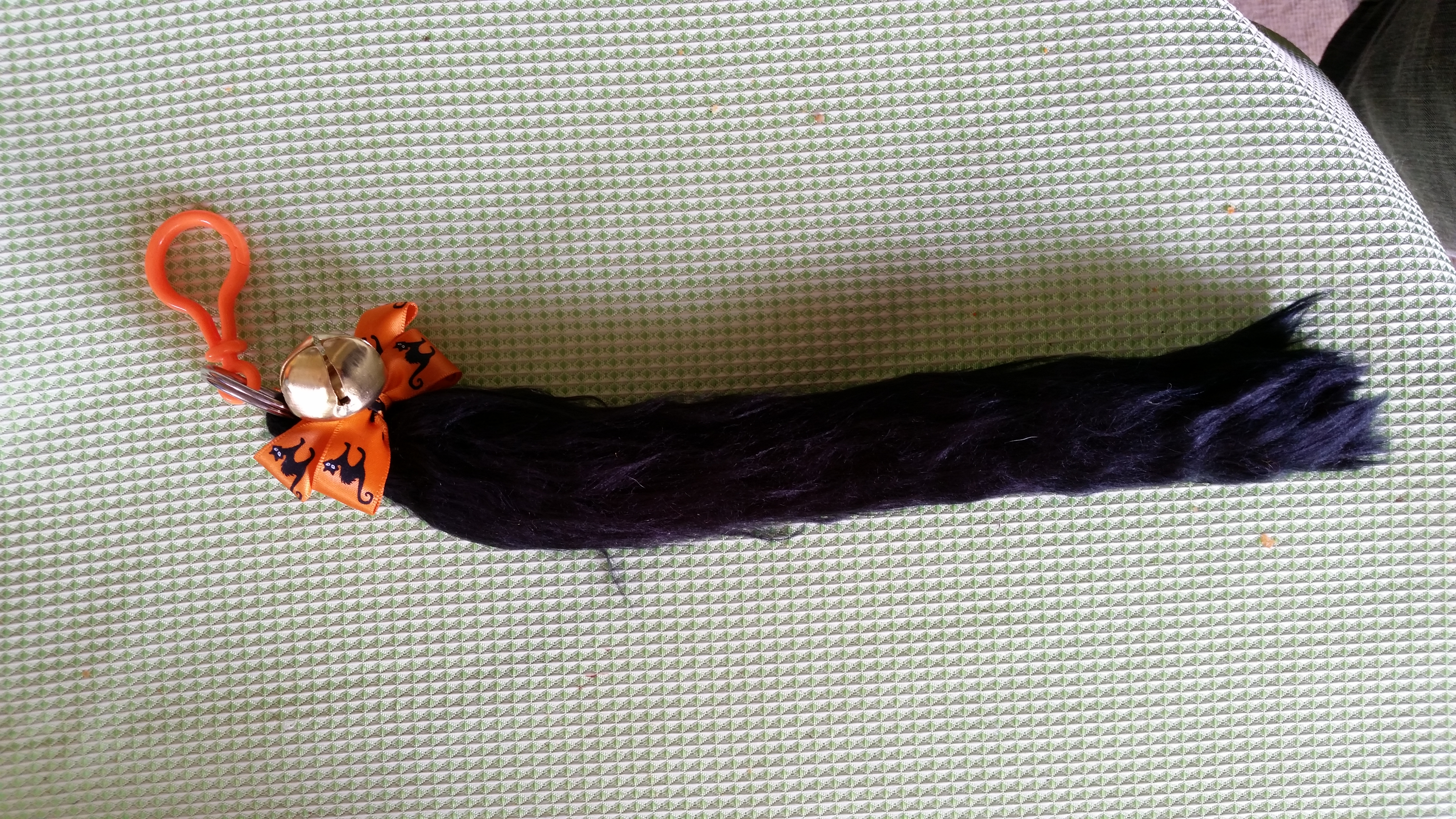 how to make a cat tail out of yarn